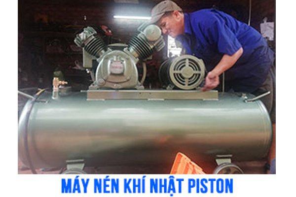 máy bơm khí piston